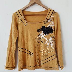 Beautiful Size medium Dark orange/white/Black abstract floral Long sleeves shirt